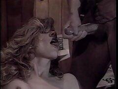 Bájos és megelégedettség-ezek a szavak világosan körülhatárolta gyönyörű Susie a cserzett, amely, az arca az isteni és az angyalok, képes meghódítani a csúcs egy Pornó Film Mozi. Forró lány arra vágyik, hogy néz vulgáris álom stimulált túl sok, és neki felébredni egy érzés nedves a belsejében a kandi kamerás sex hüvelyébe, a teste remeg előestéjén az orgazmus, így a baba madár, hogy fel az asztalra az ágy mellett, hogy húzza meg szerette őt gumi maszturbálni. Elegáns lány Suzie tette a lábát a székbe, a hát