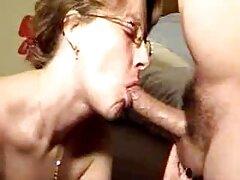 Shemale, Nagy Cicik, egy srác szopni a pénisz egy másik amatőr sex casting személy, baszd meg egy nagy fasz az anális.