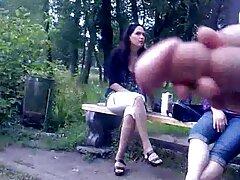 Nyilvánvaló, hogy ez volt színpadra, de ez pornó Gruppen szépség fiatal lány egy vízvezeték-szerelő. A konyhában lévő csap miatt a lány telefonált a cégnek,és felhívta a házvezetőt. Fekete azonnal rohant, hogy helyrehozza a sex video ingyen repedéseket, de a bájos lánynak nincs terve vele, ami az orgia hosszú. Amara Romans and Izzy Bell, Big ass, easy to elcsábítani a kertész, and make them fuck, szó szerint.