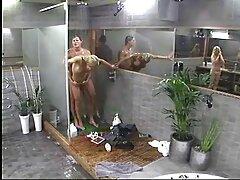 Pornó tartalma orosz kiváló minőségű ingyenes a felhasználók számára. Renatnak van egy gyönyörű amatőr sex ingyen barátnője, Lisa mindkét lyukban.